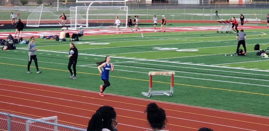 Anna+Pontzious+running+track+for+Eisenhower