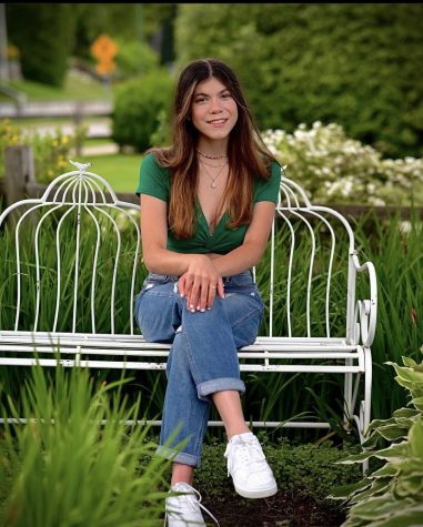 Senior Hannah Bernardi